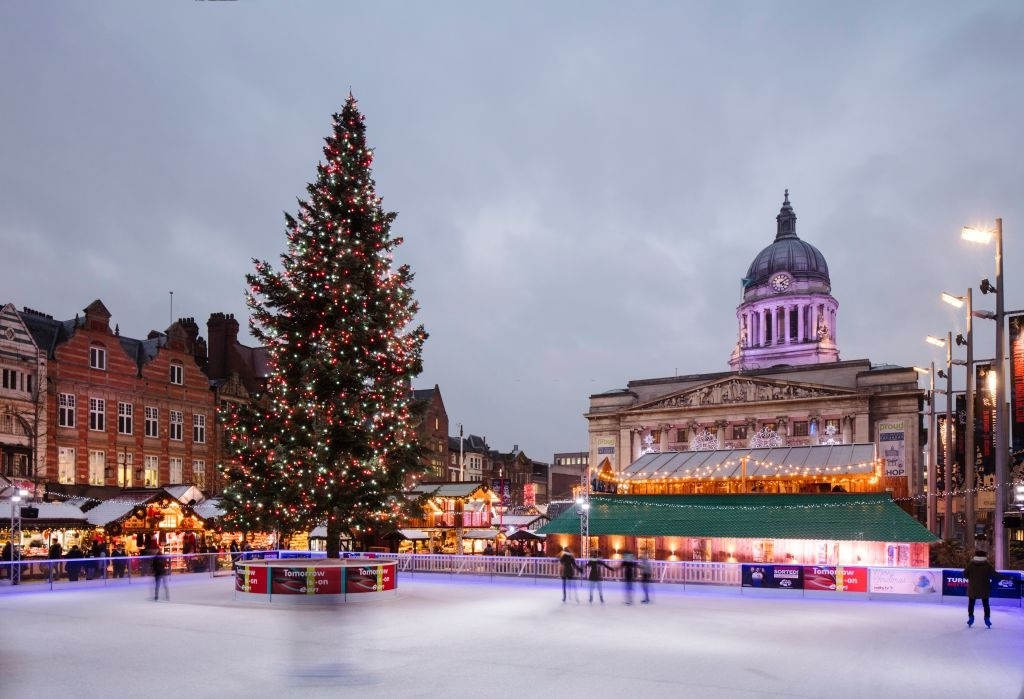 Christmas Markets and Winter Activities in England - Christmas Traditions in England