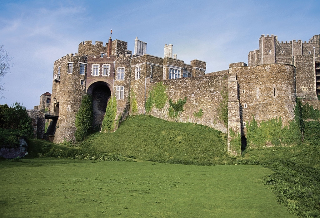 Dover Castle - England Tourist Attractions - Planet Travel Advisor